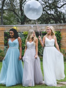 2018 New Arrival Elegant A Line V Neck Spaghetti Straps Tulle Bridesmaid Dress with Beading Under 100