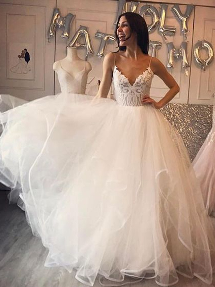 Gorgeous Ball Gown V Neck Spaghetti Straps Backless Ivory Lace Wedding Dress Long Tulle Wedding Dress