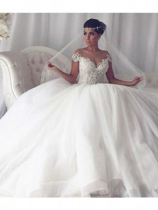 Gorgeous Ball Gown Off the Shoulder White Tulle Wedding Dress with Applique
