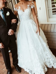 Gorgeous A Line Scoop Backless White Lace Wedding Dress with Applique