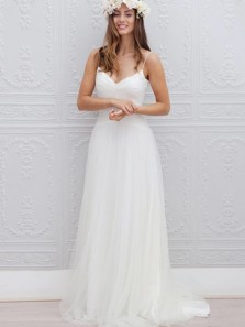Elegant A-Line Spaghetti Straps V Neck Open Back White Tulle Wedding Dresses