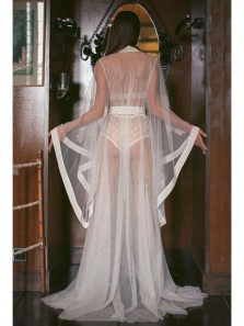 2019 New White Tulle Long Wedding Robe with Appliques