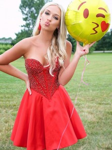Fashion Sweetheart Open Back Red Satin Short Homecoming Dresses with Beading,Cute Short Prom Dresses