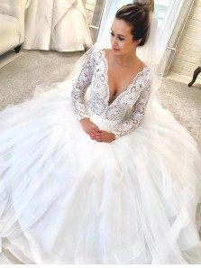 Elegant Ball Gown V Neck Buckle Back Long Sleeved White Tulle Long Wedding Dresses,Lace Wedding Gown