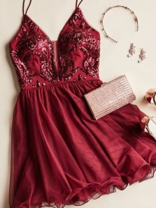 Chic A-Line V Neck Spaghetti Straps Open Back Burgundy Homecoming Dresses,Short Prom Dresses