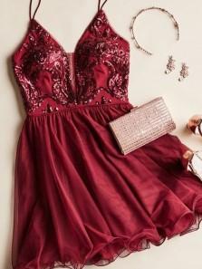 Chic A-Line V Neck Spaghetti Straps Open Back Burgundy Homecoming Dresses,Short Prom Dresses DG0328006