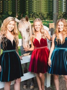 Cute A-line V Neck Open Back Green Velvet Short Prom Homecoming Dresses,Vintage Cocktail Party Dresses