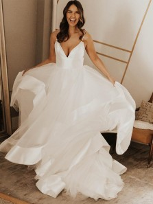 Charming A-Line V Neck Spaghetti Straps Open Back White Tulle Wedding Dresses
