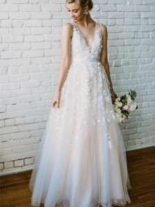 Romantic A-Line V Neck Open Back White Tulle Wedding Dresses with Appliques