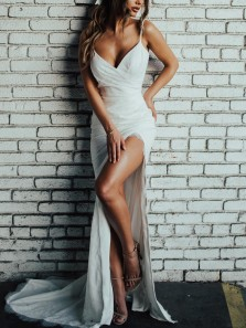 Mermaid V Neck Spaghetti Straps Backless White Lace Wedding Dresses with Train