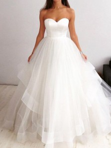 Princess Ball Gown Sweetheart Open Back White Tulle Tiered Wedding Dresses,Simple Wedding Gown