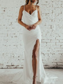 Mermaid V Neck Spaghetti Straps Backless White Lace Wedding Dresses with Train