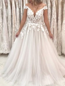 Gorgeous A-Line Off the Shoulder Tulle Wedding Dresses with Appliques