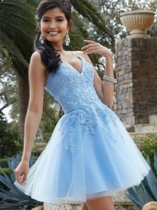 Modest A-Line V Neck Spaghetti Straps Sky Blue Tulle Short Homecoming Dresses with Appliques and Beading