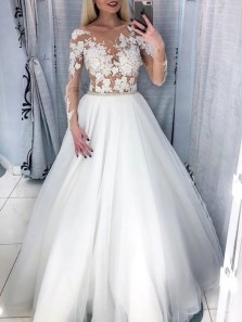 Stunning Ball Gown Scoop Neck Long Sleeve White Tulle Wedding Dresses,Lace Bridal Dresses