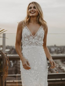 Modern Mermaid V Neck Open Back White Lace Wedding Dresses with Train