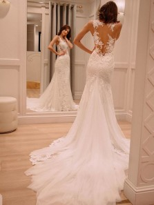 Elegant Sheath V Neck White Lace Wedding Dresses with Train