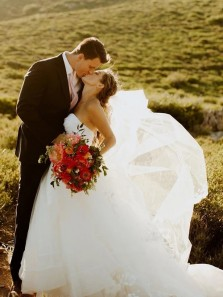 Ball Gown Sweetheart Strapless White Tulle Wedding Dresses