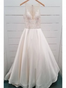 Gorgeous A-Line Round Neck White Satin and Lace Wedding Dresses