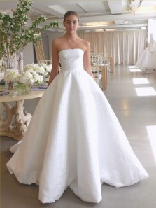 Elegant Ball Gown Strapless White Satin Wedding Dresses