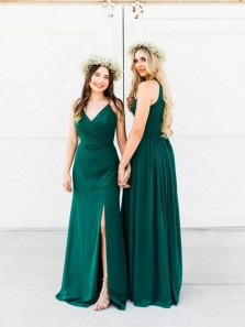 Stunning A-Line V Neck Spaghetti Straps Green Chiffon Long Bridesmaid Dresses with Split