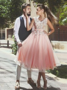 Unique A-Line V Neck Pink Tulle Tea Length Prom Dresses with Appliques,Short Prom Dresses