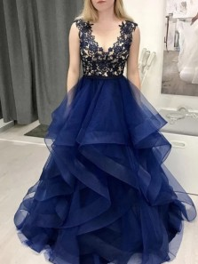 Charming Ball Gown Round Neck Navy Blue Tulle Long Prom Dresses with Appliques,Girls Junior Graduation Gown
