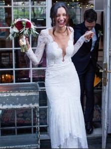 Romantic Mermaid V Neck Long Sleeve White Lace Wedding Dresses