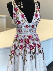 Pretty A-Line V Neck Open Back White Sequins Short Homecoming Dresses,Short Prom Dresses 2020