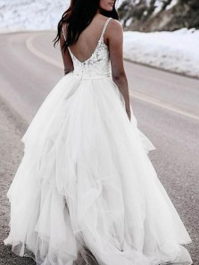 Unique A-Line Spaghetti Straps Open Back White Tulle Wedding Dresses with Lace