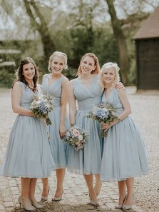 Modest A-Line V Neck Open Back Blue Chiffon Below Knee Length Bridesmaid Dresses