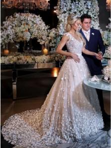 Romantic A-Line V Neck Ivory Flower Lace Appliques Wedding Dresses with Train