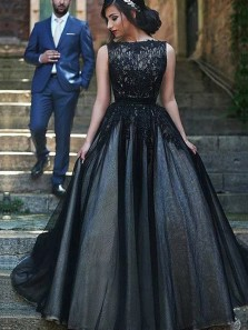 Modest Bateau Black Tulle Evening Dress with Appliques Long Prom Dress