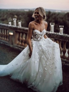 Gorgeous Ball Gown Sweetheart White Tulle & Lace Wedding Dress with Court Train