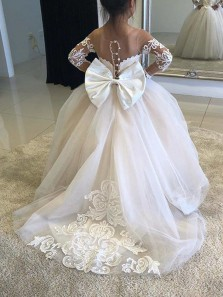 Gorgeous Ball Gown Scoop Long Sleeve Lace White Flower Girl Dresses with Bow
