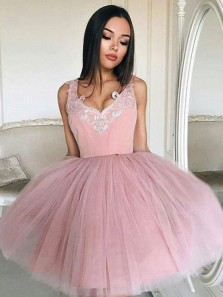 Cute A-Line V Neck Pink Tulle Short Homecoming Dresses with Appliques,Short Prom Dresses