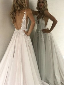 Stunning A-Line V Neck Backless Tulle Wedding Dresses with Appliques