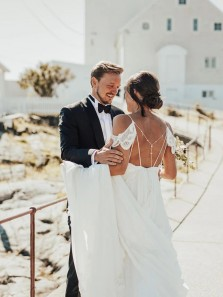 Luxurious A-Line V Neck Open Back Lace Wedding Dresses