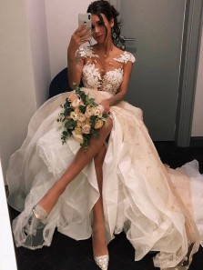 Charming Ball Gown Round Neck White Appliques Wedding Dresses