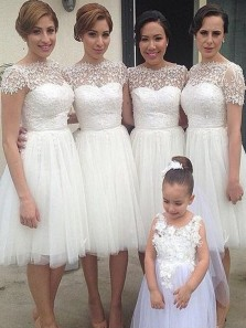 Stunning A-Line Boat Neck Short Sleeves White Tulle Short Bridesmaid Dresses with Lace