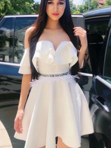 Stunning A-Line Off the Shoulder White Short Homecoming Dresses