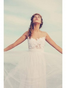 White Beach Sleeveless Floor length A-line Tulle Wedding Dresses With Applique