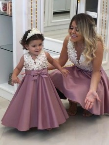 A-Line V Neck White Lace Top Blush Satin Flower Girl Dresses with Bow