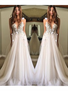 Charming A-line Sleeveless Tulle Beach Flowy Wedding Dresses With Applique