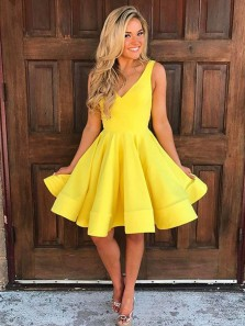Cute A Line V Neck Open Back Yellow Short Homecoming Dresses with Pockets, Short Prom Dresses Under 100 1908070044