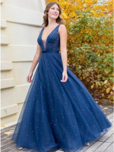 Charming A-Line V Neck Navy Blue Tulle Long Prom Evening Dresses with Beading