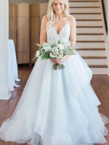 Stunning A-Line V Neck Spaghetti Straps Open Back White Tulle Lace Wedding Dresses,Beach Wedding Gown