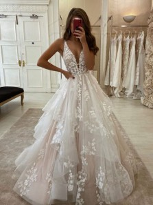 Stunning Ball Gown V Neck Open Back Ivory Tulle Wedding Dresses,Lace Bridal Gown