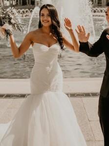 Charming Mermaid Sweetheart Strapless White Tulle Long Wedding Dresses