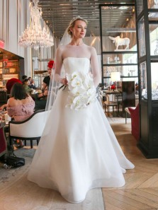 Vintage A-Line Round Neck Long Sleeves White Tulle Long Wedding Dresses,Bridal Gown 2020